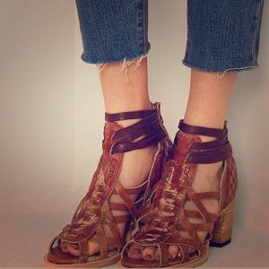 NEW! Never worn! Freebird by Steven Penny Sandals!
